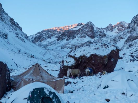 Toubkal Base Camp im Schnee